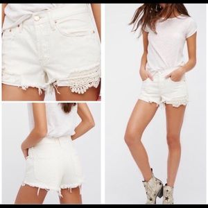 {Free People} NWOT Daisy Chain Lace Short